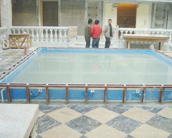 北京别墅亚克力鱼池施工现场